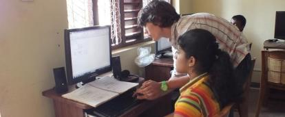 A students learns to use the computer at one of our Projects Abroad volunteer IT teaching placements in Sri Lanka